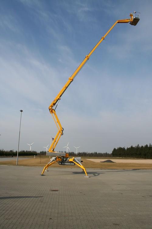 36m bis 40m Raupen-Arbeitsbühne diesel mieten