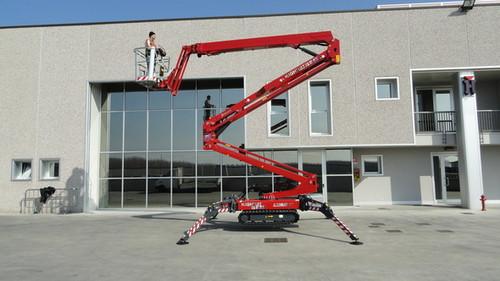 ab 46m Raupen-Arbeitsbühne elektro mieten